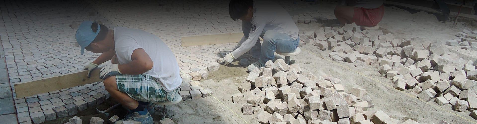 Finiture in porfido del trentino battiscopa scale in for Zoccolini in pietra